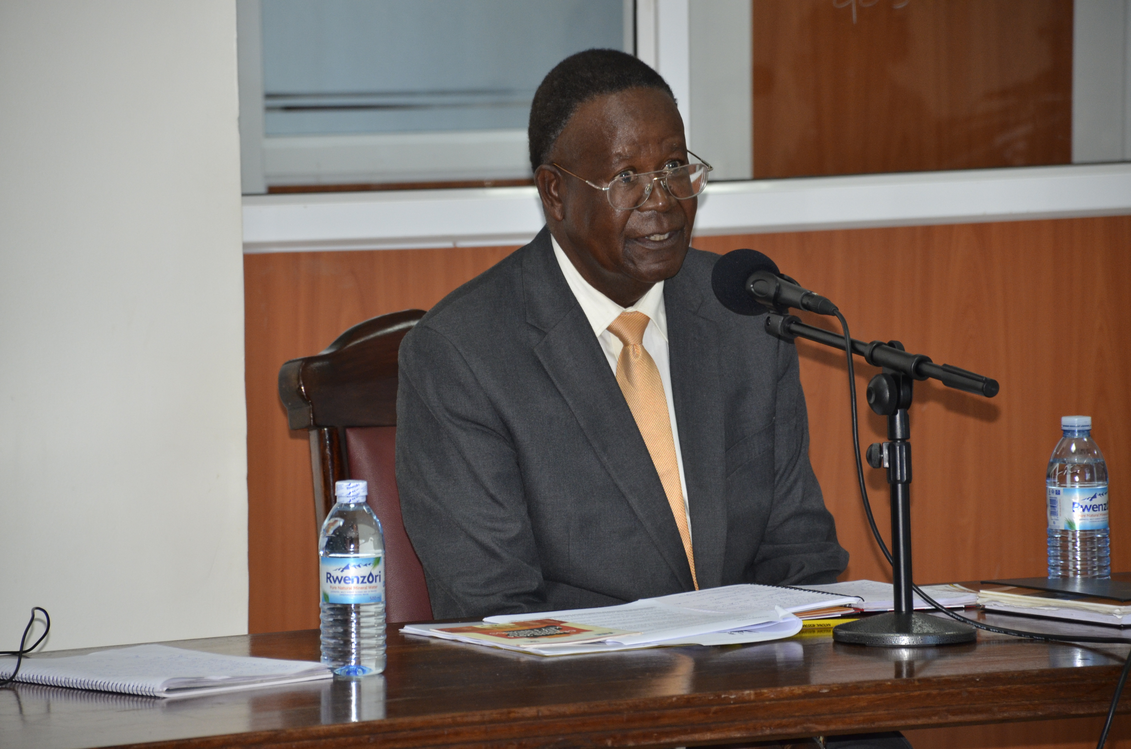 Minister Kamuntu testifying before the land inquiry commission